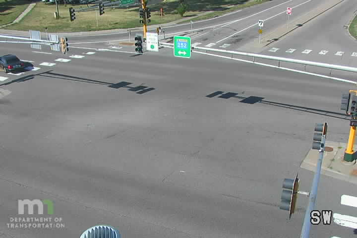 T.H.252 NB @ 73rd Ave